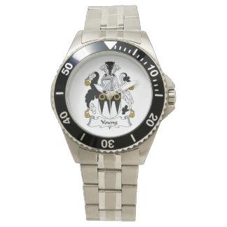 Escudo joven de la familia relojes de mano