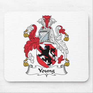 Escudo joven de la familia tapete de ratones