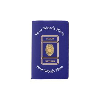 Escudo jubilado del comandante personalizado de la funda para libreta y libreta pequeña moleskine