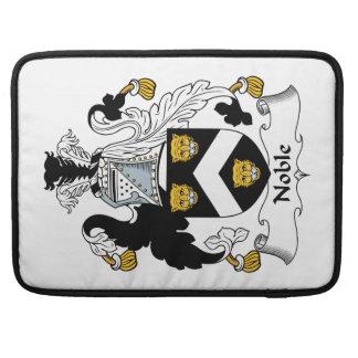 Escudo noble de la familia fundas macbook pro