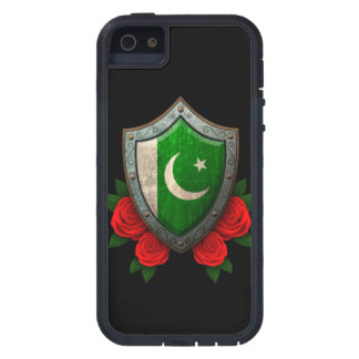 Escudo paquistaní gastado de la bandera con los iPhone 5 fundas