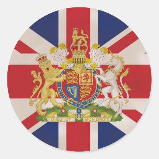 Escudo real en la bandera de Union Jack Etiqueta Redonda
