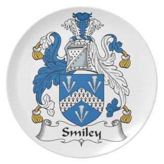 Escudo sonriente de la familia plato de comida