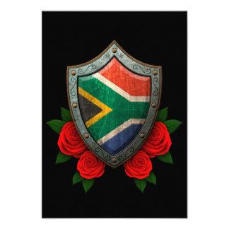 Escudo surafricano gastado de la bandera con los r comunicados