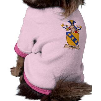 Escudo urbano de la familia ropa de mascota