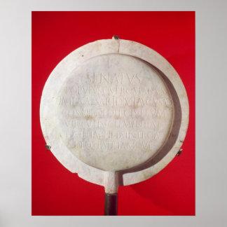 Escudo votivo en honor de Augustus Póster