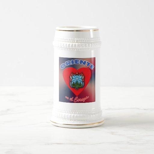 Escudo w/background - cerveza MU del EL Corazón de Taza De Café