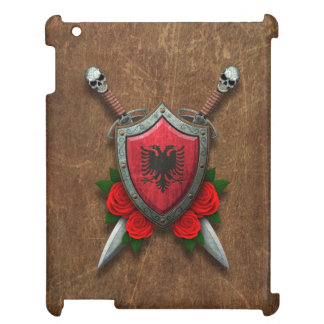 Escudo y espadas albaneses envejecidos de la bande