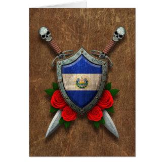 Escudo y espadas envejecidos de la bandera de El S Tarjeta De Felicitación