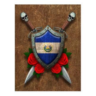 Escudo y espadas envejecidos de la bandera de El S Tarjetas Postales