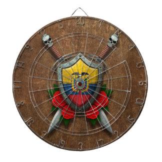 Escudo y espadas envejecidos de la bandera del Ecu Tablero De Dardos