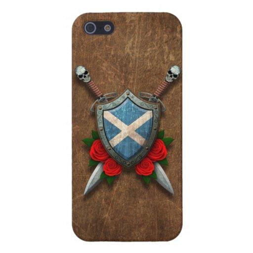 Escudo y espadas escoceses envejecidos de la bande iPhone 5 carcasas