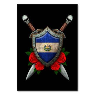 Escudo y espadas gastados de la bandera de El Salv