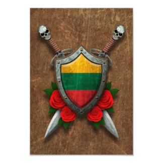 Escudo y espadas lituanos envejecidos de la invitación 8,9 x 12,7 cm