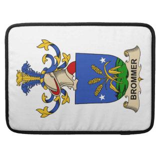 Escudos de la familia de Brommer Funda Para Macbooks
