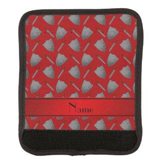 Escudos y espadas rojos conocidos personalizados funda para asa de maleta