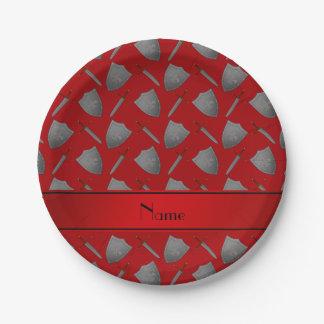 Escudos y espadas rojos conocidos personalizados plato de papel de 7 pulgadas