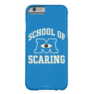 Escuela de asustar funda de iPhone 6 barely there