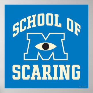 Escuela de asustar poster