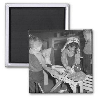 Escuela de enfermería: los años 40 imán cuadrado