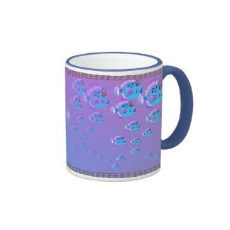Escuela de la taza azul de los pescados