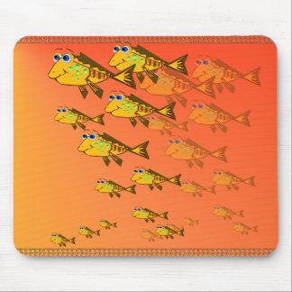 Escuela de los pescados amarillos Mousepad Alfombrillas De Ratón