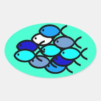 Escuela de los símbolos cristianos de los pescados pegatina ovalada