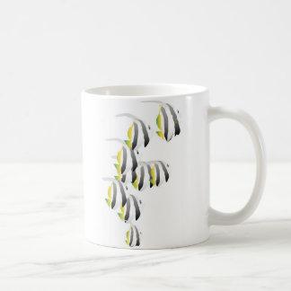 Escuela de pescados tropicales taza de café