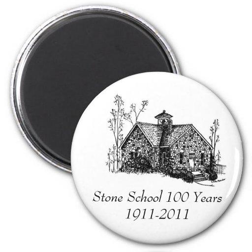 Escuela de piedra 100 años de imán