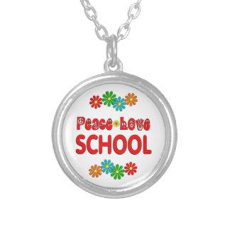 Escuela del amor de la paz pendiente