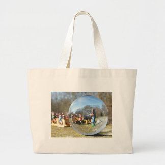 Escuela del conejito de pascua vista a través de bolsa tela grande