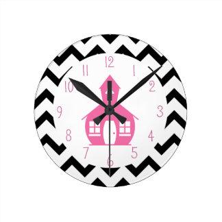 Escuela rosada + Profesor negro de Chevron Reloj Redondo Mediano