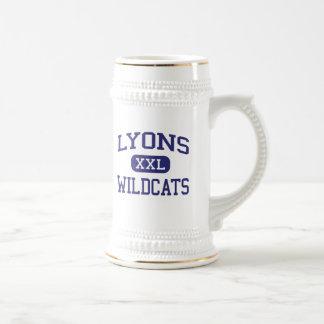Escuela secundaria Clinton Iowa de los gatos Jarra De Cerveza