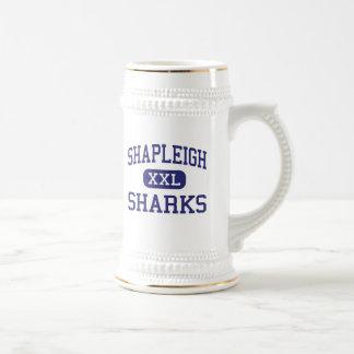 Escuela secundaria Kittery Maine de los tiburones  Taza