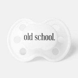 Escuela vieja chupetes