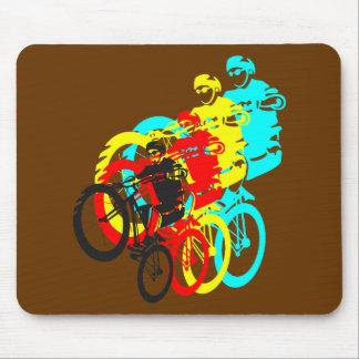 Escuela vieja MTB/wheelie de la bici de los ensayo Tapetes De Ratón