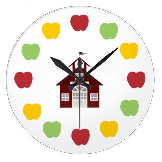 Escuela y manzanas reloj redondo grande