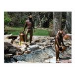 Escultura de bronce de los trabajadores de la indu postal