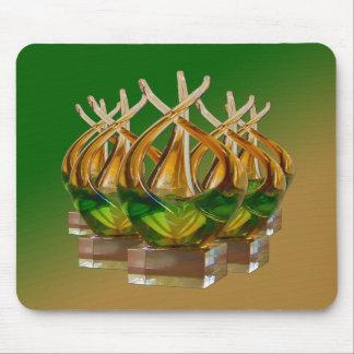 Escultura de cristal en los verdes y los marrones  tapetes de raton