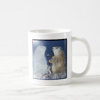 Escultura de hielo del día de la marmota taza de café