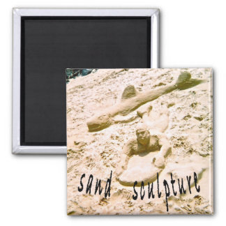 Escultura de la arena de la playa imán cuadrado