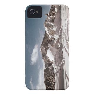 Escultura de nieve del oso polar funda para iPhone 4 de Case-Mate