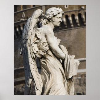Escultura del ángel con la ropa y los dados en San Póster