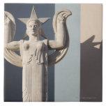 Escultura del art déco en la feria del estado de azulejo cuadrado grande