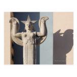 Escultura del art déco en la feria del estado de postales