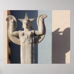 Escultura del art déco en la feria del estado de póster