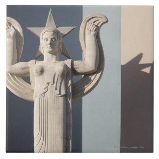 Escultura del art déco en la feria del estado de T Tejas Cerámicas