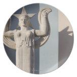 Escultura del art déco en la feria del estado de T Plato