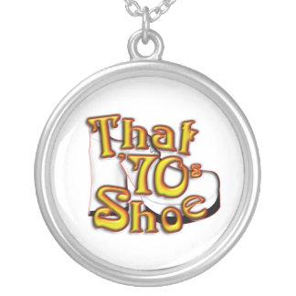 Ese collar del zapato de los años 70
