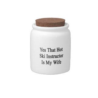 Ese instructor caliente del esquí es sí mi esposa platos para caramelos